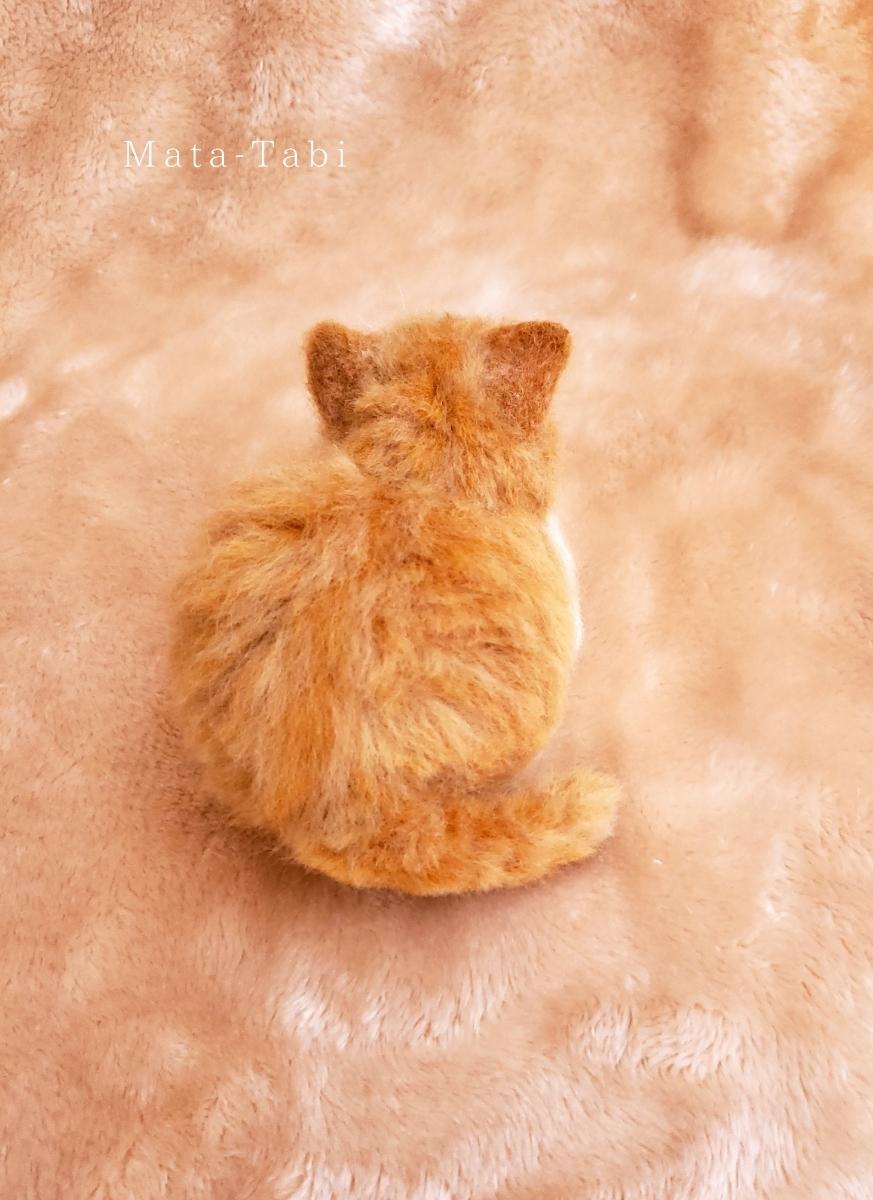 Mata-Tabi 羊毛フェルト 猫 香箱座り 茶トラ白 茶白猫 ハンドメイド _画像4