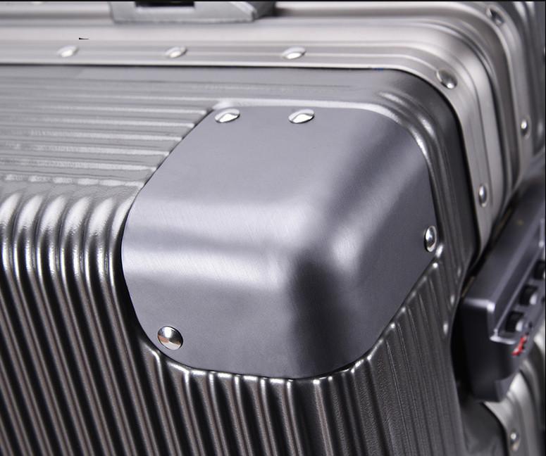 新品未使用【定価58万】航空級アルミマグネシウム合金キャリーケース 強い耐圧 TSAロック搭載 スーツケース トランク海外旅行20インチMV158_画像4