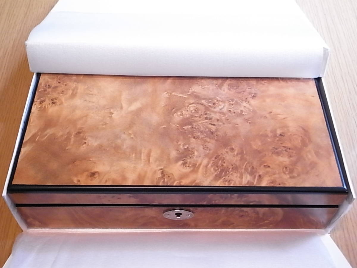 腕時計用 木製コレクションケース 8本収納 時計店の長期在庫品 化粧箱入りデットストック_画像7