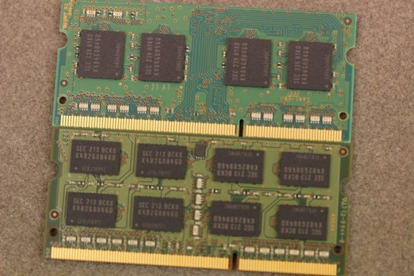 SAMSUNG M471B5173QH0-YK0 / M471B5273DH0-CK0 PC3L-12800S 4GB×2枚 8GB ノートPC用メモリ 動作補償あり_画像3