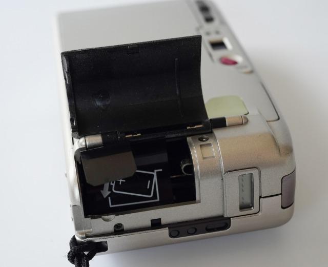 リコー (RICOH) R1s (プラチナムシルバー) 【フィルムカメラ】 (外観きれいな状態・要モルト交換)_画像9