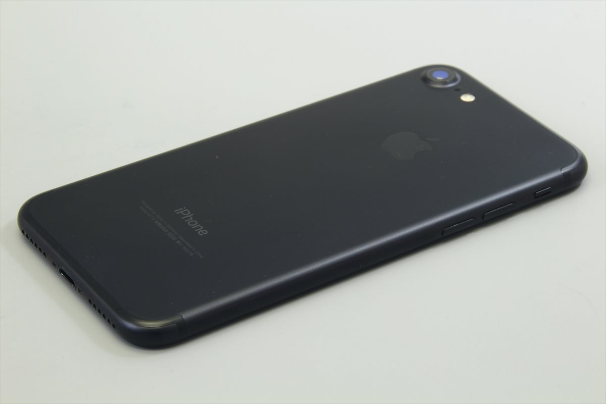 Apple iPhone7 32GB ブラック A1779 MNCE2J/A バッテリ83%■ソフトバンク★Joshin1632【送料無料・1円】_画像6