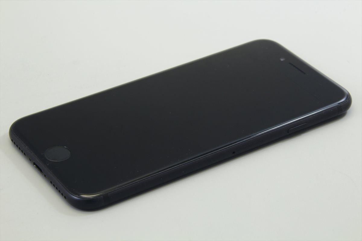 Apple iPhone7 32GB ブラック A1779 MNCE2J/A バッテリ83%■ソフトバンク★Joshin1632【送料無料・1円】_画像4
