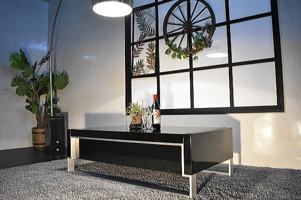 ST28I02-KC#【開梱設置 新品】強化ガラス&ハイグロス北欧デザインセンターテーブル【美品展示品展示処分品収納ローテーブルアウトレット_画像4