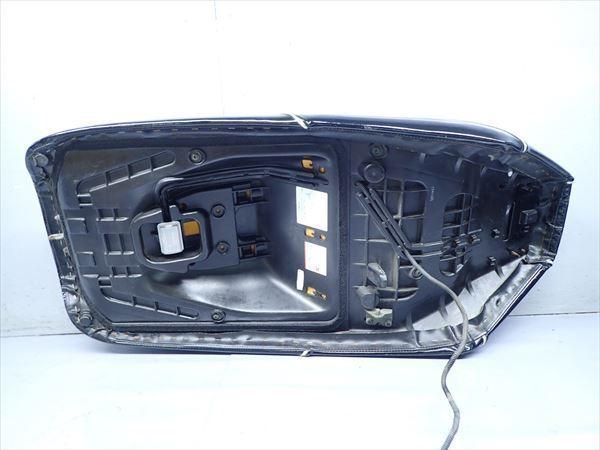 βAQ9c5018 スズキ スカイウェイブ250-2 タイプSS CJ43A (17年式) 純正 シート メイン タンデム 破れ有り!表皮・アンコ劣化!_画像7