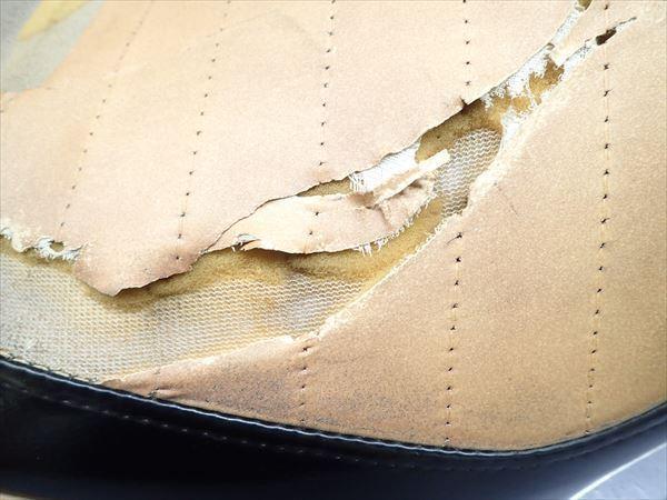 βAQ9c5018 スズキ スカイウェイブ250-2 タイプSS CJ43A (17年式) 純正 シート メイン タンデム 破れ有り!表皮・アンコ劣化!_画像5