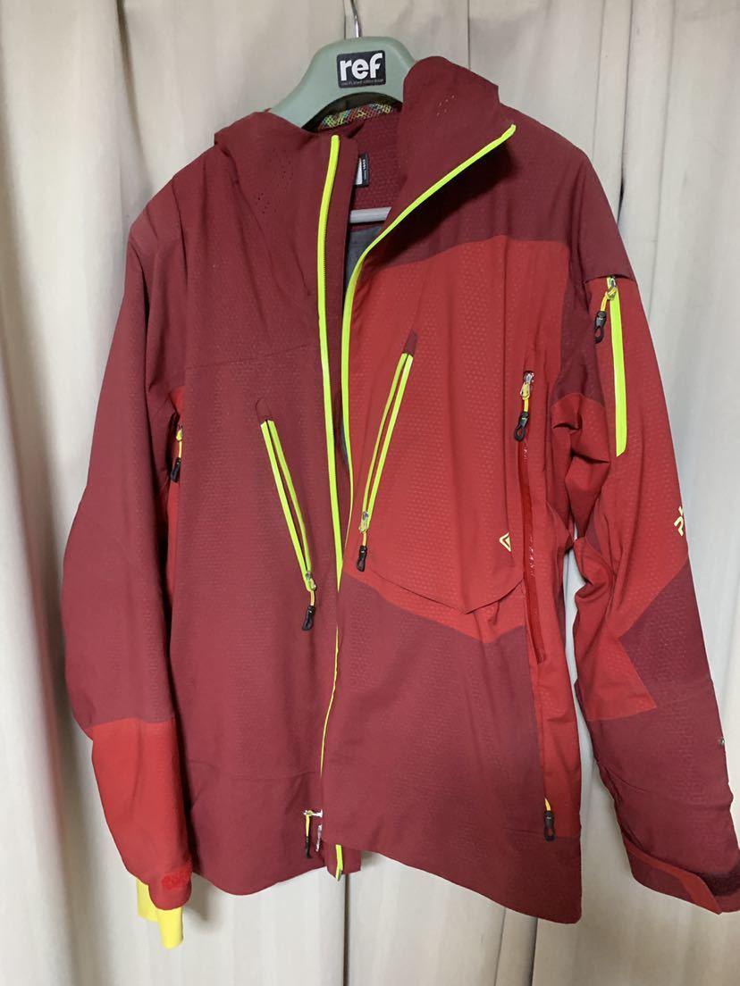 フェニックス社スキーウェア MASH 上下セット売ります。