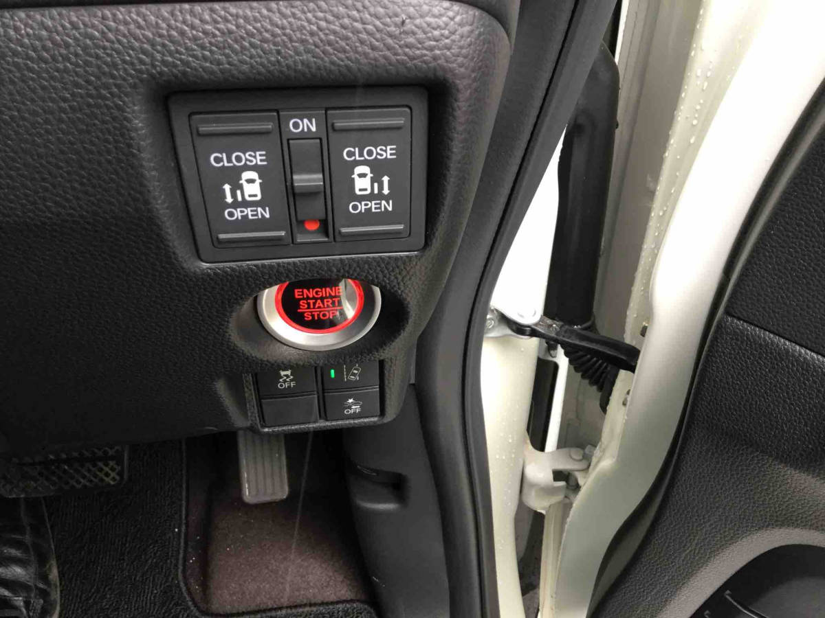 H30年式 N-BOXカスタム G・Lホンダセンシング 両側パワスラ 検R3年5月 ナビ更新無料 新車保証可_画像8