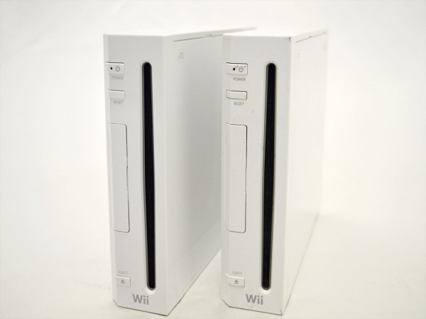 KM58●現状品まとめて!!●Nintendo Wii 本体 RVL-001セット 2点&Wii Fit +ソフト付き 欠品有_画像3