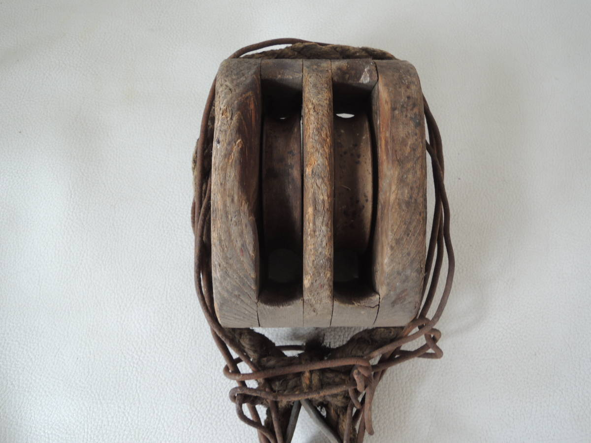 A / 古い 木製 滑車 古民具 井戸 骨董 アンティーク レトロ / 中古品_画像2