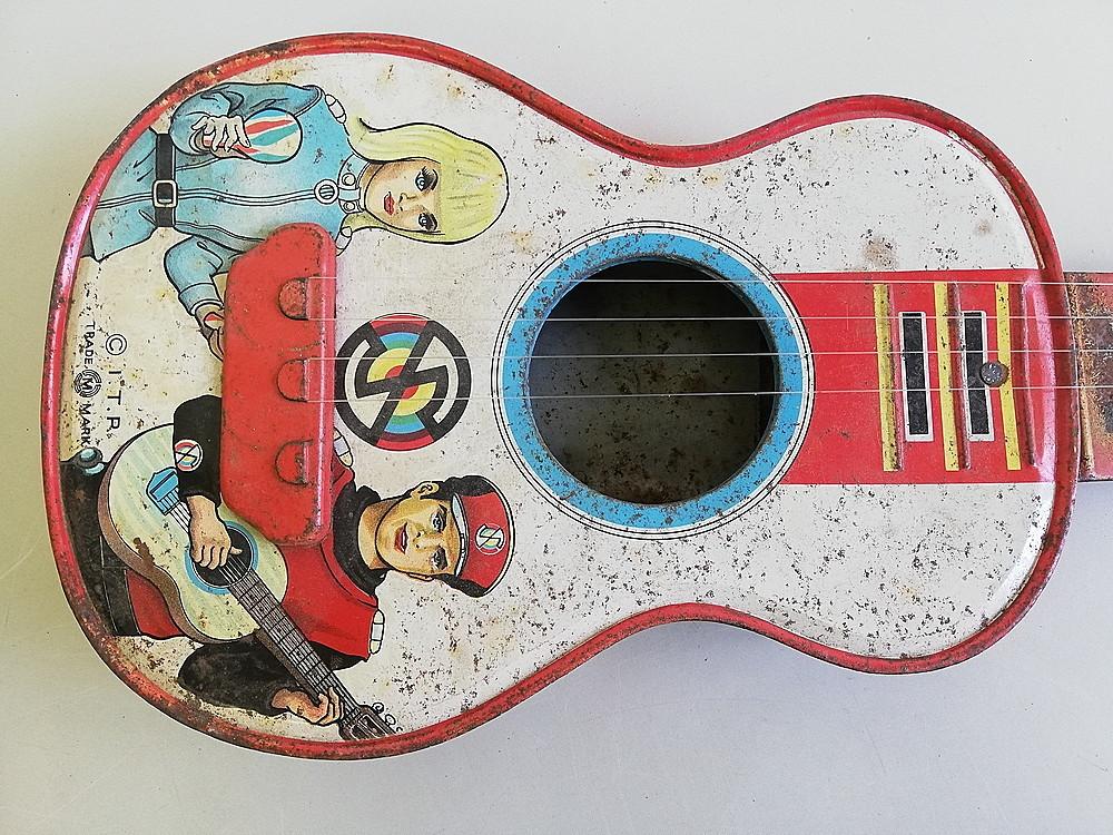 【希少!】 ★ ブリキ エレキギター ★ アンティーク コレクション 玩具 昭和レトロ_画像2