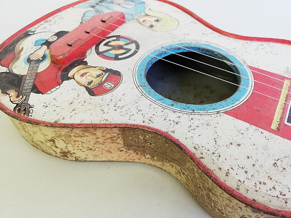 【希少!】 ★ ブリキ エレキギター ★ アンティーク コレクション 玩具 昭和レトロ_画像6