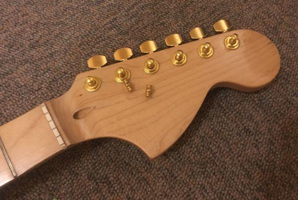 Squier スクワイヤ Affinity Stratocaster 改造品 モンスタートーンPU,GOTOHペグ_画像3