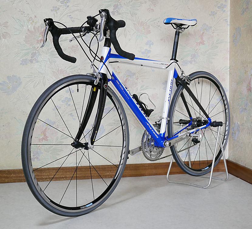 ANCHOR アンカー(ほぼ綺麗)RCS 5(シマノ 105 27速)700C ホワイトとブルーのRoad Bikes 中古_画像2