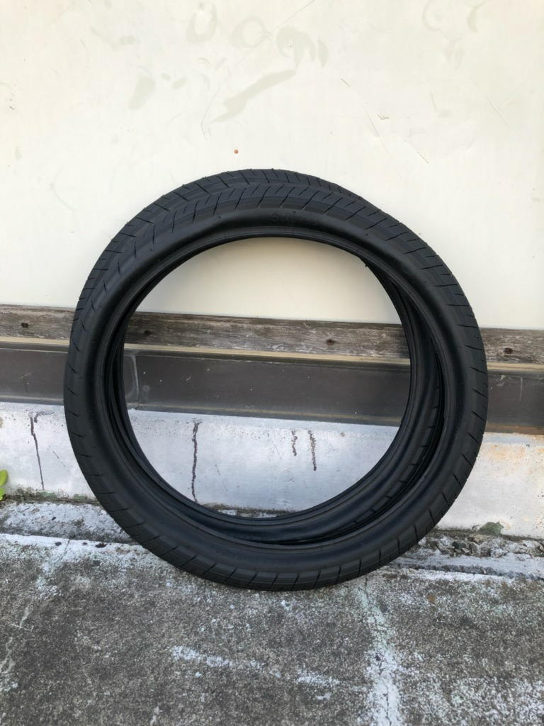 新品、未使用:タイヤ2本セットBMX 20インチ SALTPLUS STING 20x2.3 ブラック_画像1