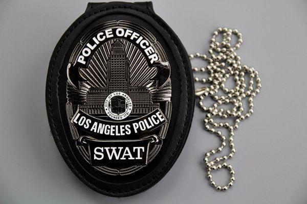 3693B ★LAPD ロサンゼルス市警察 カットアウト レザーホルダー ベルトクリップ付 NYPD Police バッチ ポリスバッジ ▽_画像8
