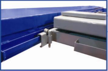 卸売リ☆新品☆4トン 4柱リフト 新型電動ロック パーキングリフトCE認証取得済み商品で安心 、 独自の落下防止装置、安全装置を装備_上のジャッキ動くは可能です。