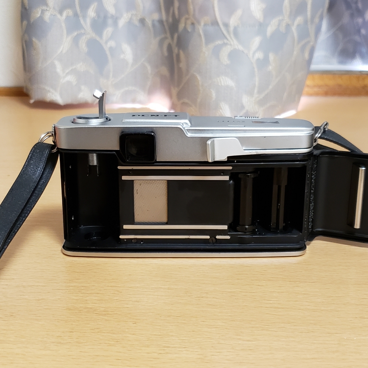 OLYMPUS PEN-FT F.ZUIKO Auto-S 1:1.8 f=38mm オリンパス フイルムカメラ ケース付 中古_画像3