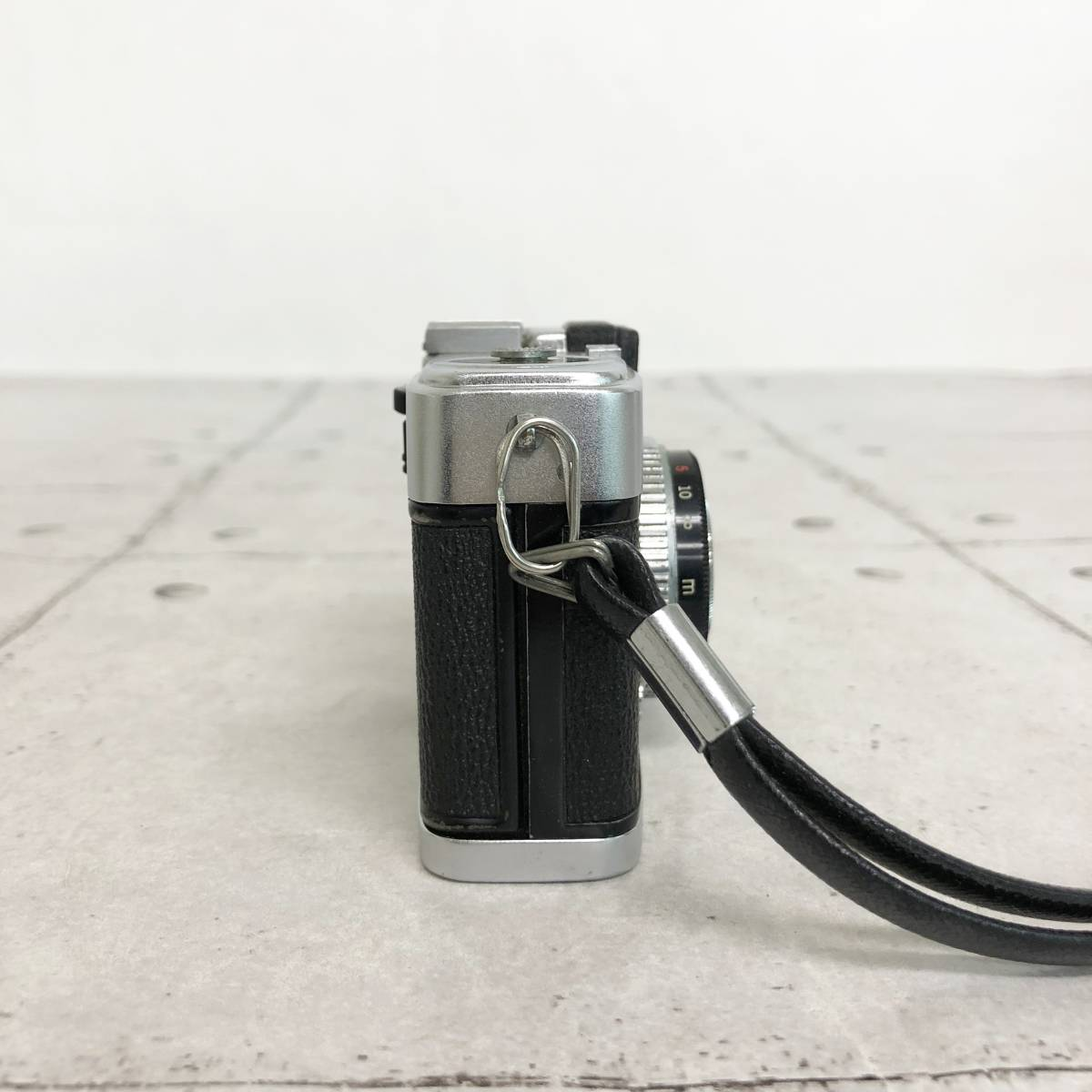 オリンパス PEN-S カメラ D.Zuiko 1:2.8 f=3cm 説明証 ケース 箱付 動作未確認 ジャンク品_画像6