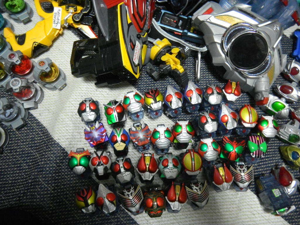 大量 仮面ライダーと戦隊 変身ベルト、パーツいろいろ フォーゼ、エグゼイド、ウイザード、ドライブ、ガイム _画像5