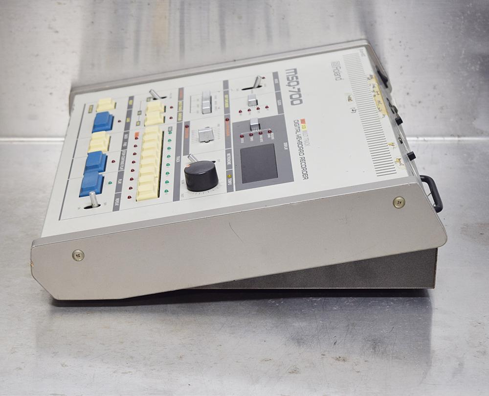 ★Roland/ローランド★MIDIシーケンサー/DCB マルチトラック デジタルキーボードレコーダー MSQ-700_画像2