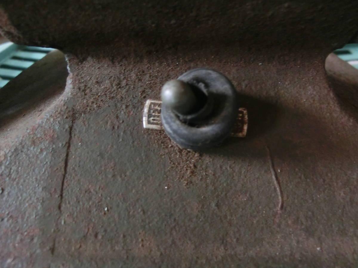 ★ イ-12 グラインダー マキタ 作動OK 穴径12.7mm 100V 古いお品 型番不明 寸法:高さ17cm 幅28cm 奥行17cm 重さ10.5kg_画像3