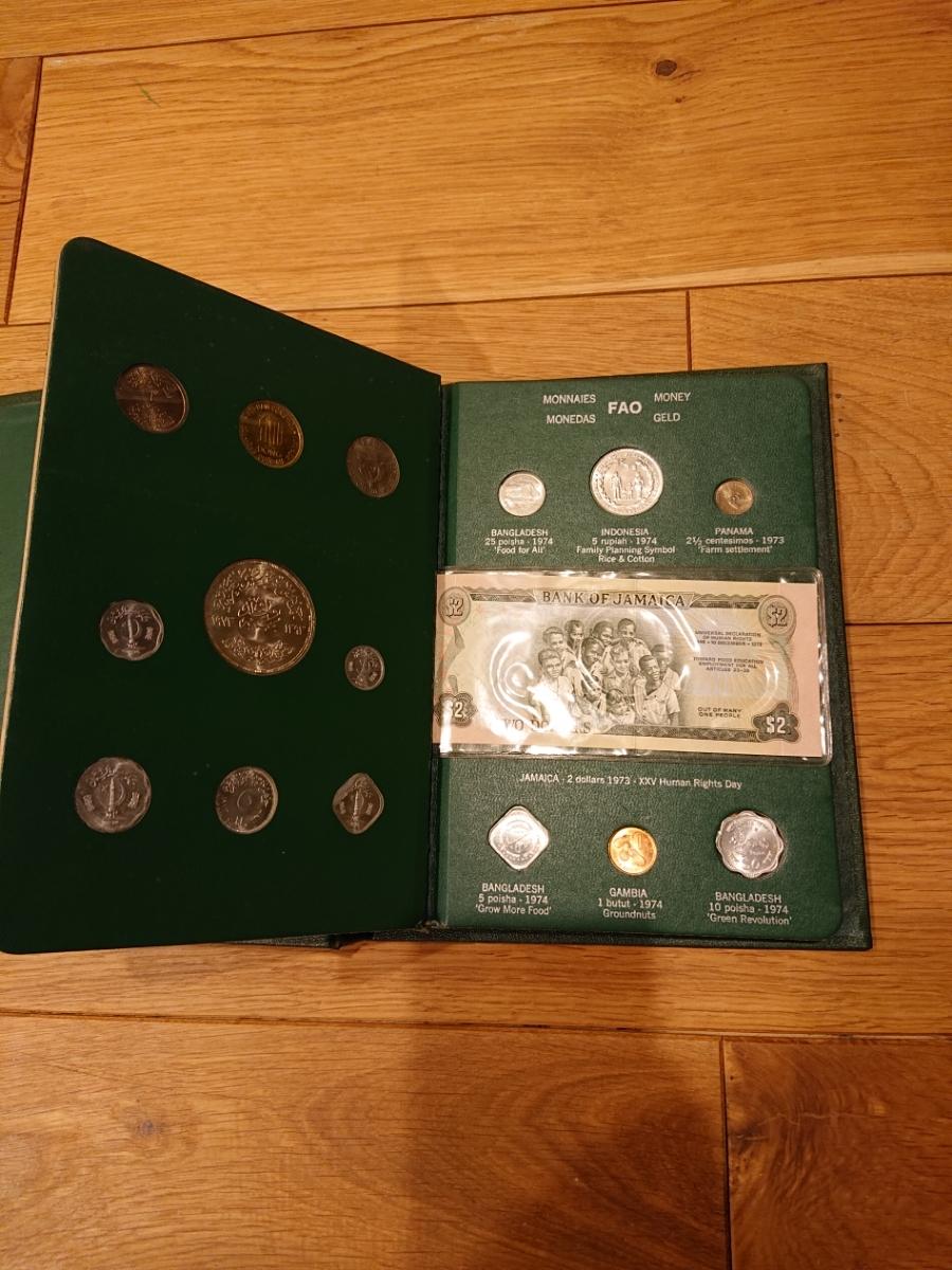 国連FAOコインアルバム第3部 グリーン 計32枚 1974年 紙幣 貨幣 銀貨_画像3