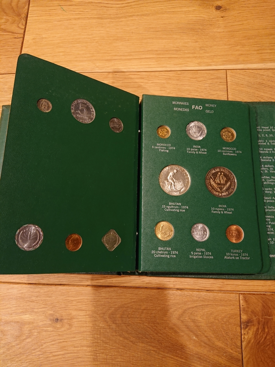 国連FAOコインアルバム第3部 グリーン 計32枚 1974年 紙幣 貨幣 銀貨_画像4