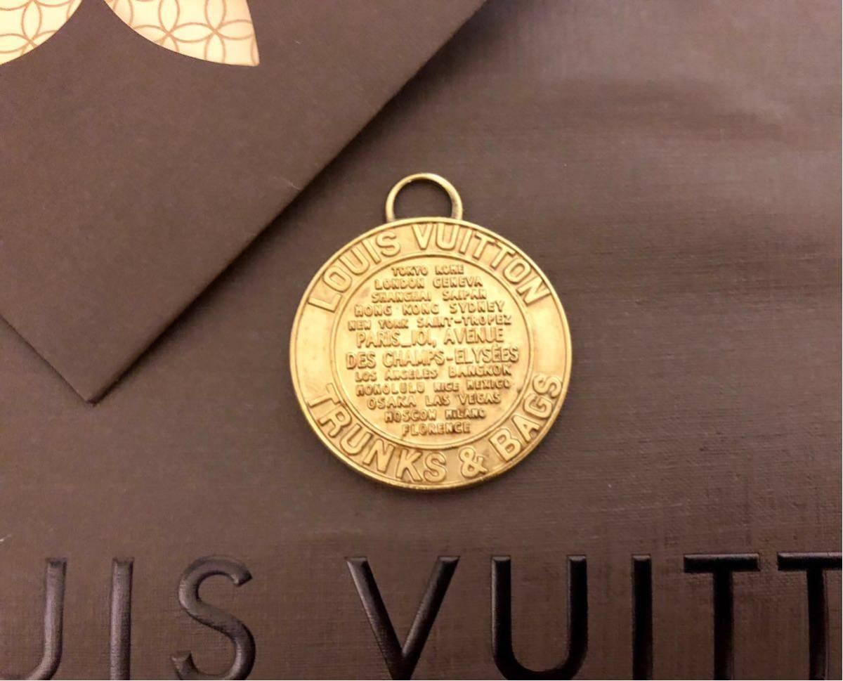 超美品 一点のみ 正規品 ルイヴィトン メダルトップ チャーム ネックレス ユニセックス ゴールド クリックポスト185円_画像1