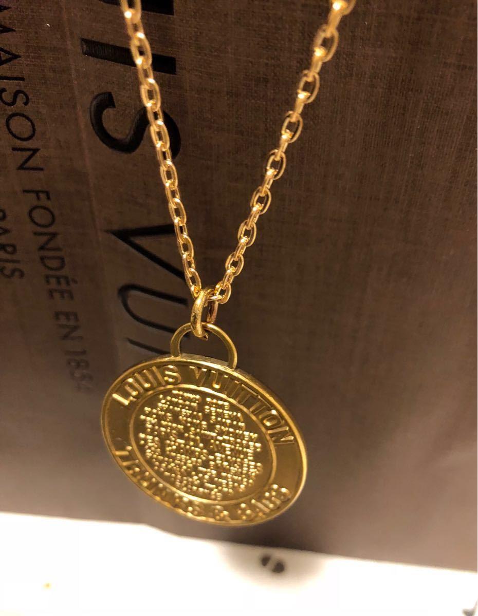 超美品 一点のみ 正規品 ルイヴィトン メダルトップ チャーム ネックレス ユニセックス ゴールド クリックポスト185円_画像4