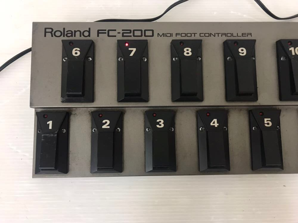 R051402 Roland FC-200 MIDIフットコントローラー 通電OK 動作未確認 ジャンク扱い_画像2