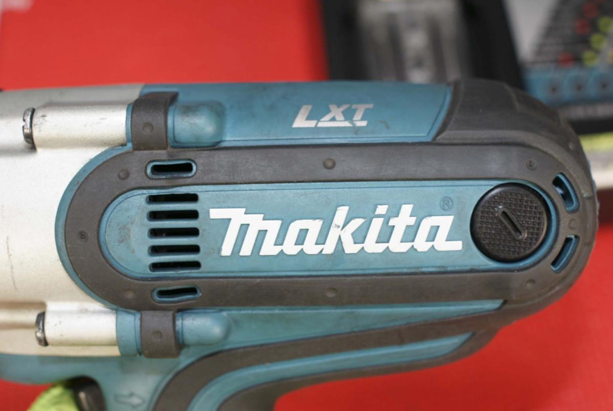 # マキタ makita 中古品 18V充電式インパクトレンチ (バッテリー無)最大締付トルク380N・mの高トルクモデル TW450D TW450DRFX_画像2