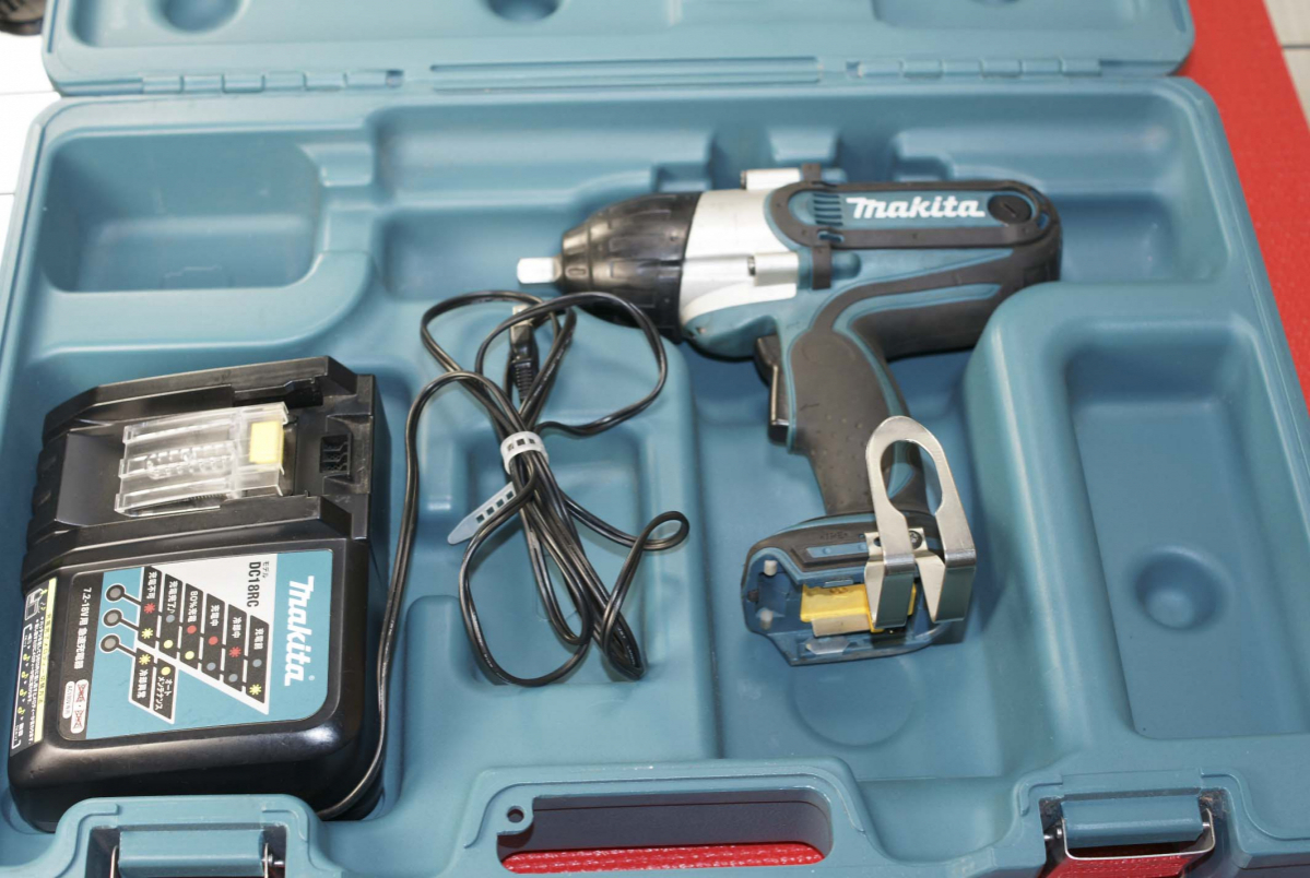 # マキタ makita 中古品 18V充電式インパクトレンチ (バッテリー無)最大締付トルク380N・mの高トルクモデル TW450D TW450DRFX_画像10