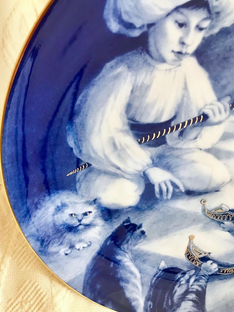 ★超貴重限定デッドストック★マイセンMEISSENイヤープレート1986年小さなムックと猫たち★マイスター作品 絵皿飾り皿26cm★新品同様★_画像3