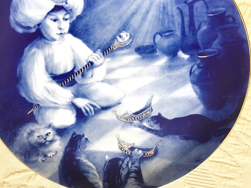 ★超貴重限定デッドストック★マイセンMEISSENイヤープレート1986年小さなムックと猫たち★マイスター作品 絵皿飾り皿26cm★新品同様★_画像2