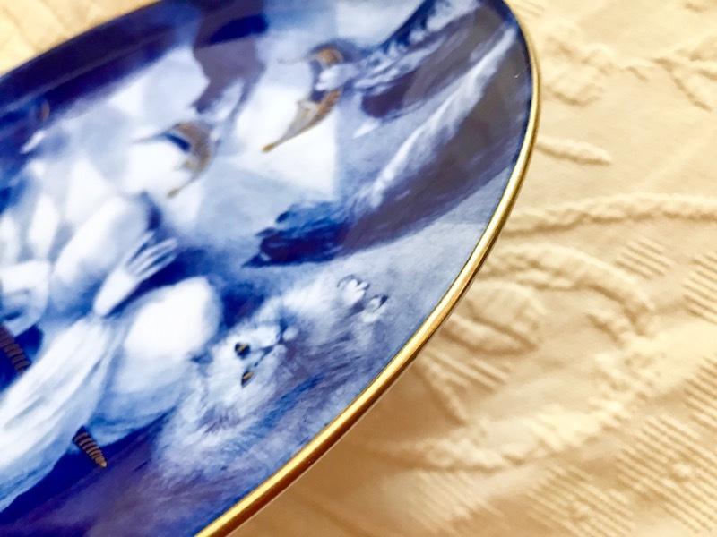 ★超貴重限定デッドストック★マイセンMEISSENイヤープレート1986年小さなムックと猫たち★マイスター作品 絵皿飾り皿26cm★新品同様★_画像4