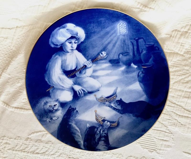 ★超貴重限定デッドストック★マイセンMEISSENイヤープレート1986年小さなムックと猫たち★マイスター作品 絵皿飾り皿26cm★新品同様★