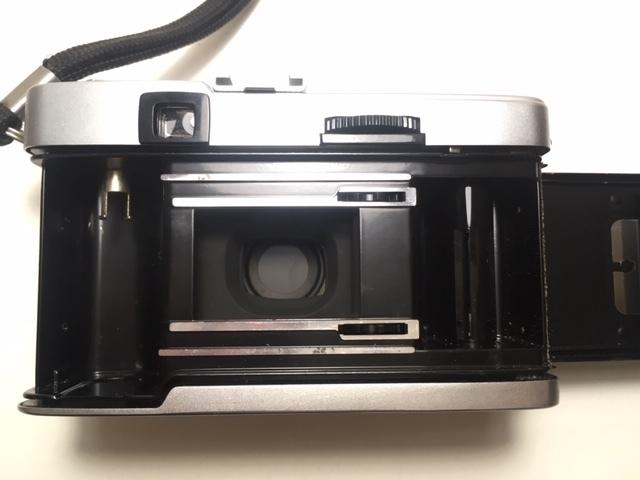 ※4247 OLYMPUS TRIP35 オリンパス 2:2.8 F=40mm フィルムカメラ 動作未確認 ジャンク_画像5