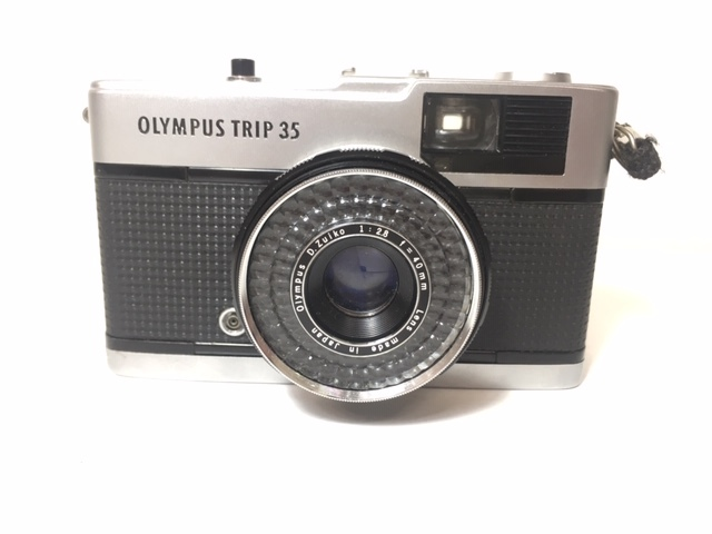 ※4247 OLYMPUS TRIP35 オリンパス 2:2.8 F=40mm フィルムカメラ 動作未確認 ジャンク_画像2