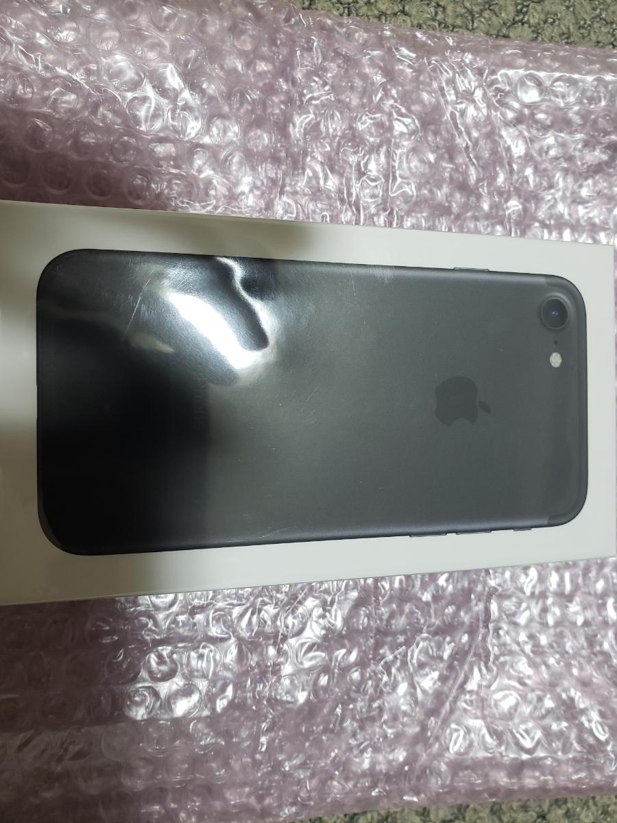 新品未使用 iPhone7 32G ドコモ