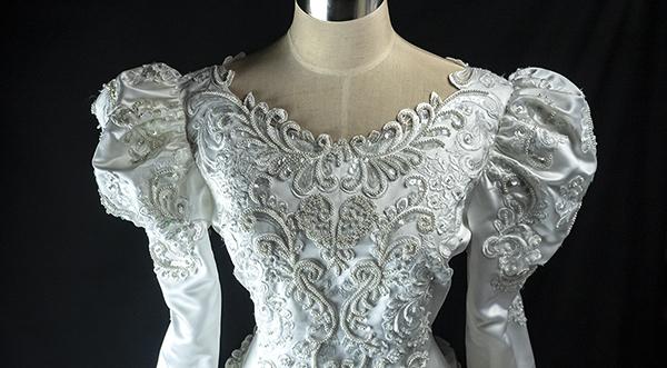 これぞウェディングドレス 最強光沢 超豪華 厚手 サテン 超つるつる ウェディングドレス_画像4