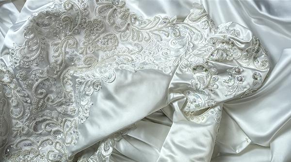 これぞウェディングドレス 最強光沢 超豪華 厚手 サテン 超つるつる ウェディングドレス_画像5