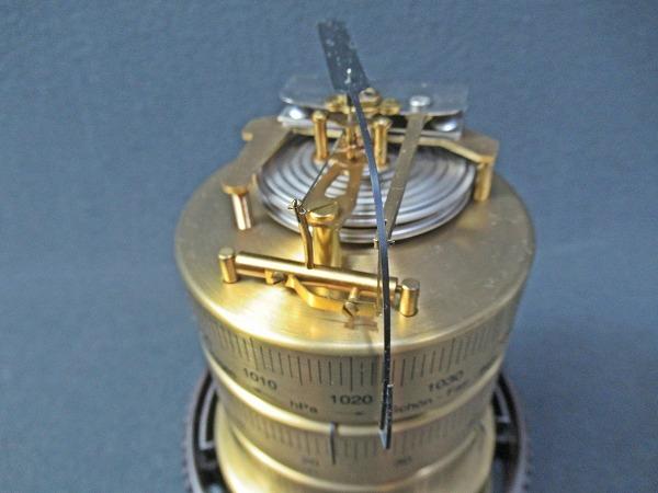 ◆[A129s]ドイツ製 BARIGO社  バリゴ社 温湿気圧計 ドーム型 インテリア 置物 動作確認済_画像3