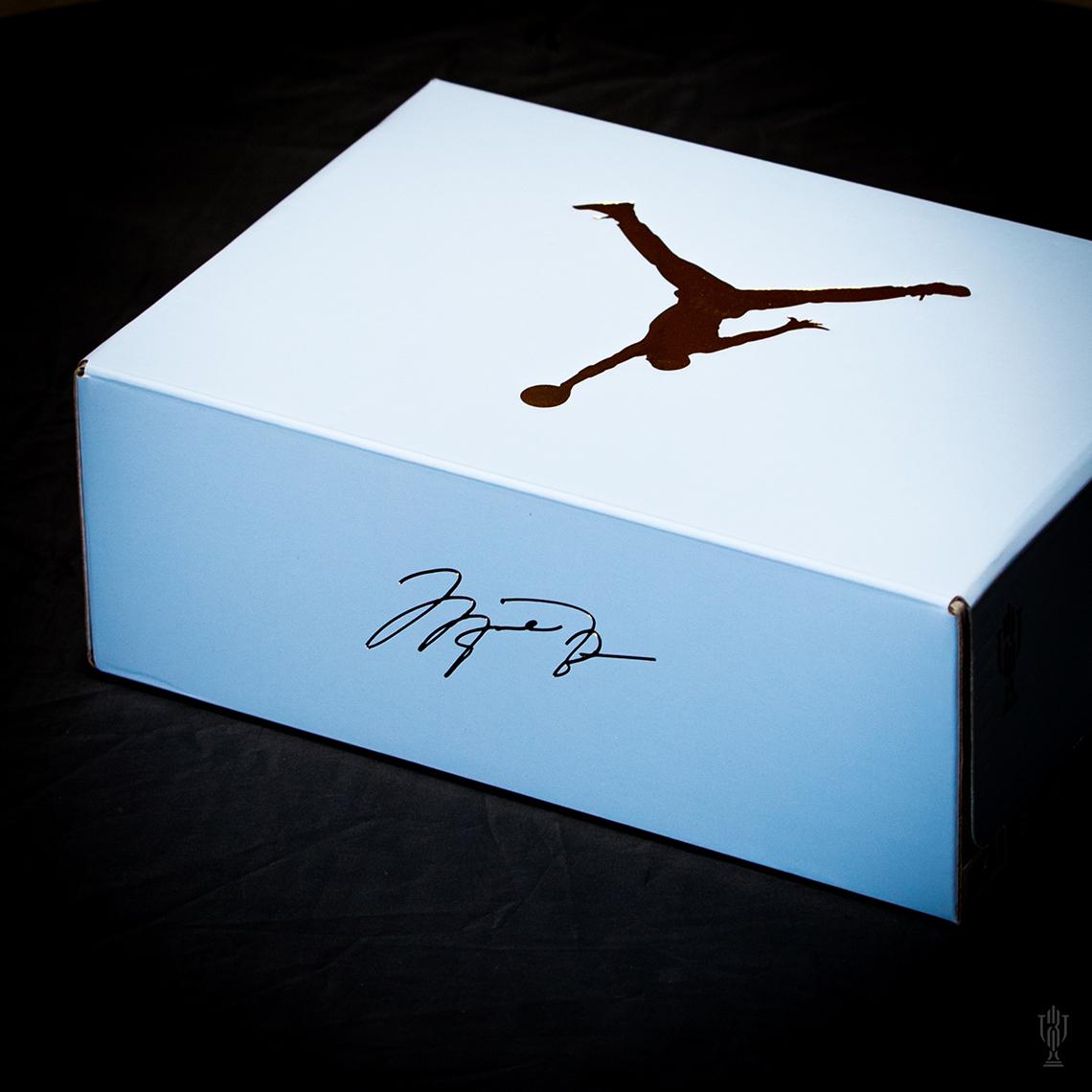【超希少・26cm 】世界7000足限定 TROPHY ROOM × Air Jordan 5 Retro (ICE BLUE) トロフィールーム エアージョーダン 5 アイスブルー_画像6