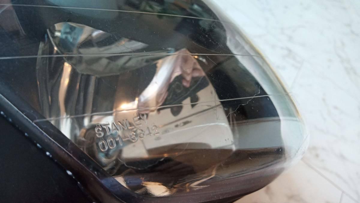 VTR1000F 純正ヘッドライト(ハロゲンバルブ・新品ゴムブーツ付き)_画像3