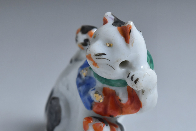 古い磁器人形 水滴 親子招き猫 3匹猫 その一_画像5