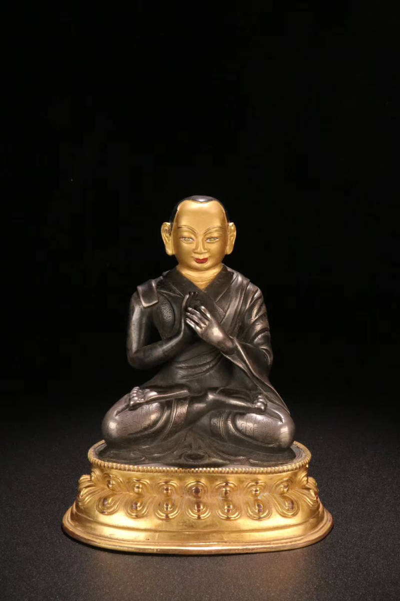 02【古雅堂】十八世:【銅金純銀嵌め「上師仏」坐像】仕様:15.3cm*12.4cm重さ815g