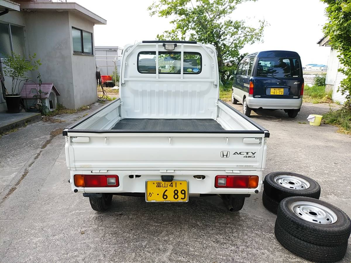 28000キロ台 すっきり綺麗な 車検長いホンダ アクティ トラック4WD 5MT エアコン パワステSDX マニュアル5速 軽トラ_画像3
