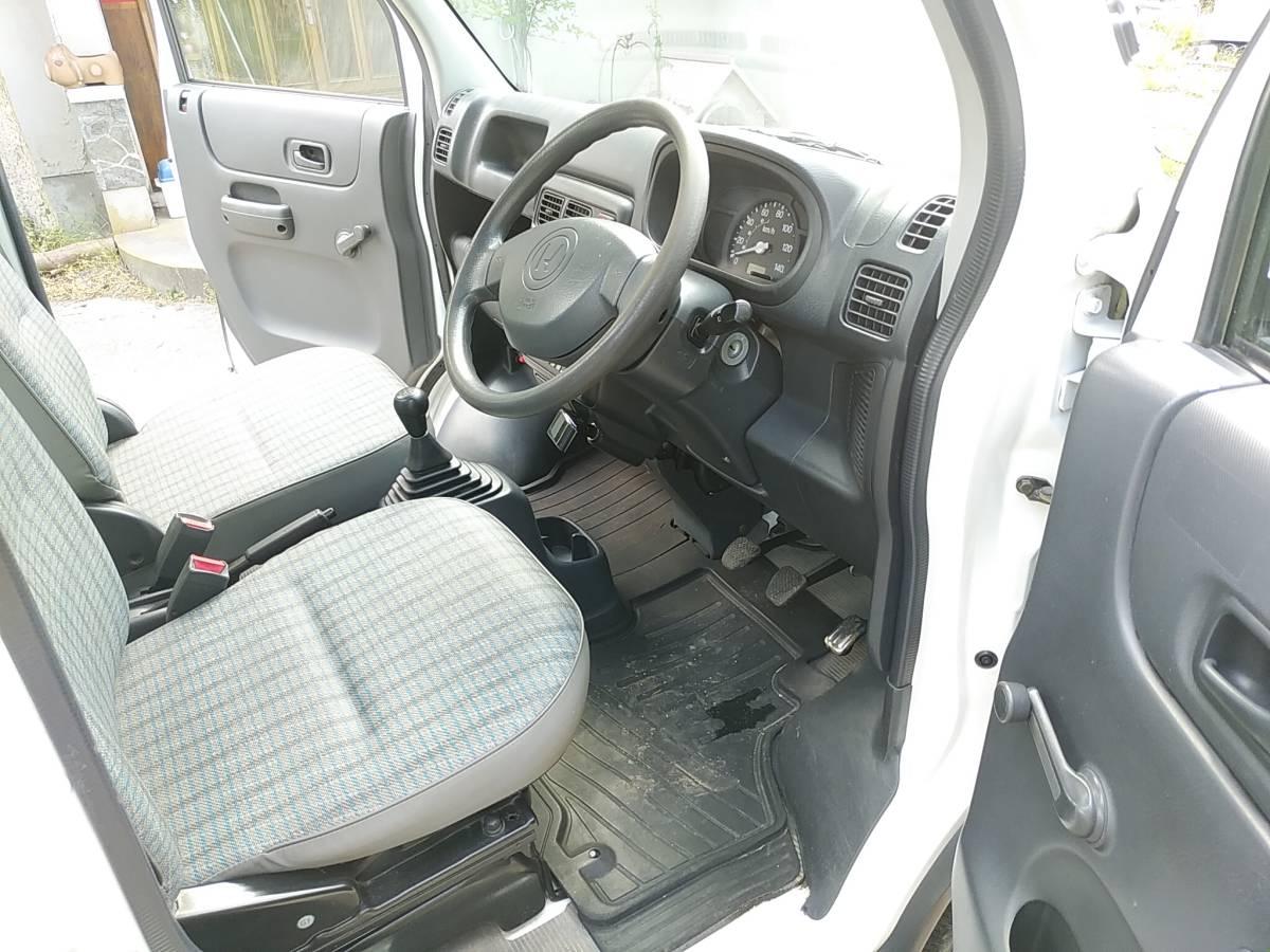 28000キロ台 すっきり綺麗な 車検長いホンダ アクティ トラック4WD 5MT エアコン パワステSDX マニュアル5速 軽トラ_画像6