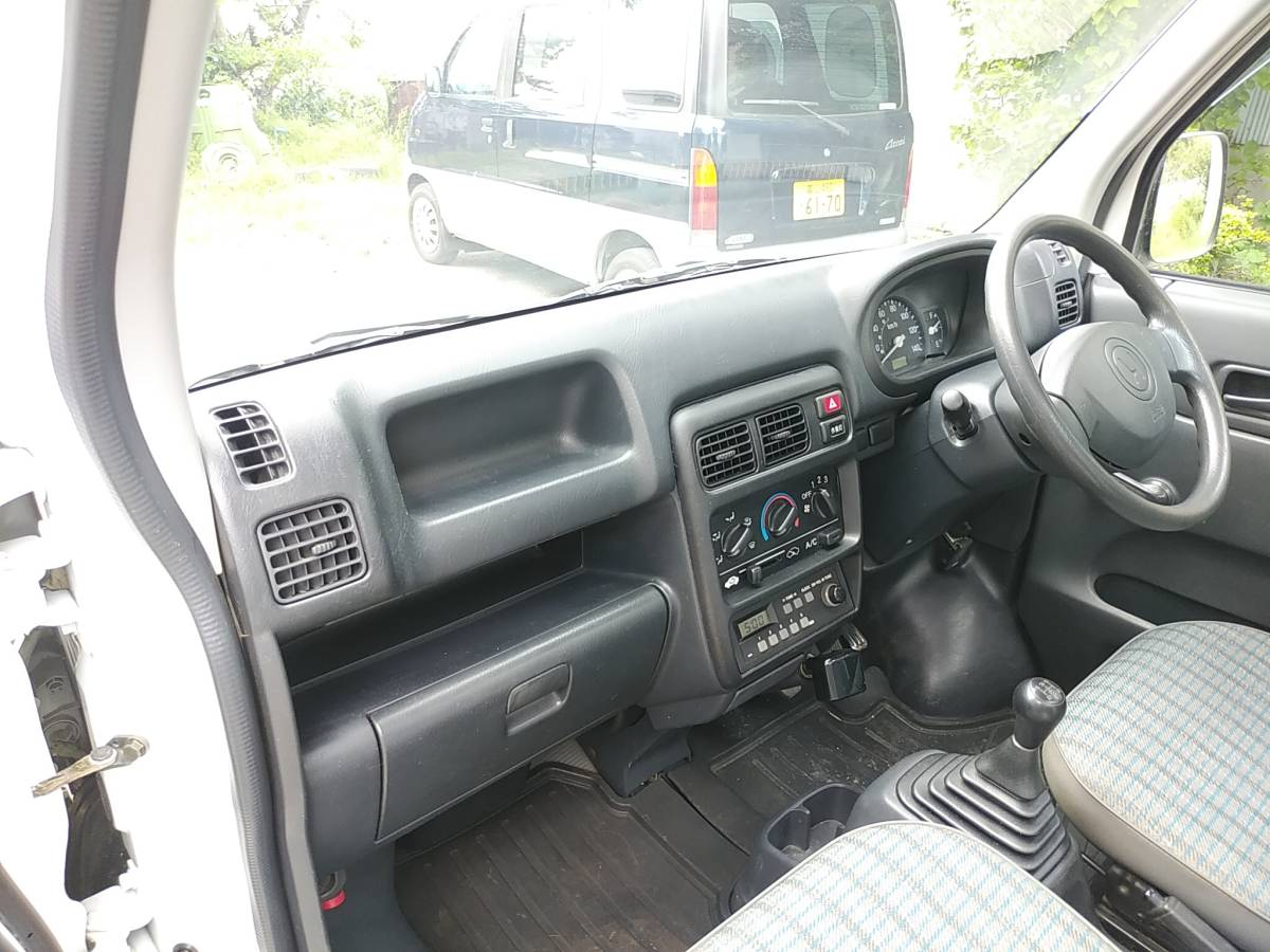 28000キロ台 すっきり綺麗な 車検長いホンダ アクティ トラック4WD 5MT エアコン パワステSDX マニュアル5速 軽トラ_画像9